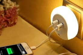 light maketheone led light with dual usb charger