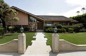 100 Renovating A Split Level Home The Real Brady Bunch House Architect And HGTVs Very