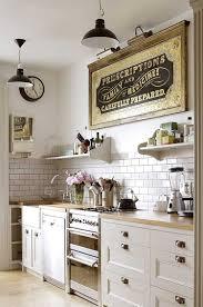 zauberhafte küche im landhausstil einrichten