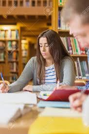 de sexe dans un bureau jeunes notes d écriture des élèves de sexe féminin au niveau du