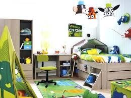décoration jungle chambre bébé chambre jungle bebe chambre garcon 8 ans formidable decoration