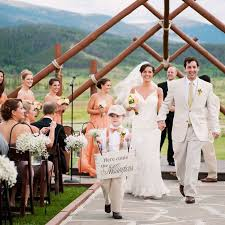 Five Bridesmaids And Groomsmen From Siblings To Sorority Sisters Wore Coordinating Colors Of