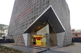 100 Sanjay Puri Architects 72 SCREENS MAKE UP THE FACADE OF THIS OFFICE BUILDING IN