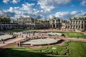 zwinger palace palace in dresden deutschland burgen