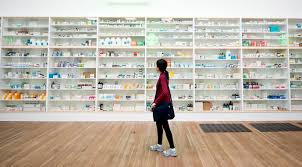showbiz damien hirst tate modern exhibition gallery