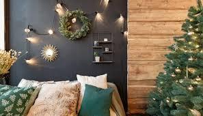 schlafzimmer idee moderne weihnachtsdeko im schlafbereich