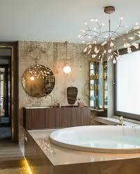 edles badezimmer mit vintage wand bild kaufen