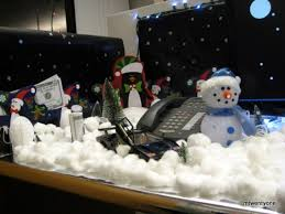 Cubicle Holiday Decorating Themes by 100 Christmas Cubicle Decorating Ideas 100 Christmas Office