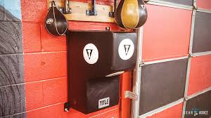 Everlast Heavy Bag Ceiling Mount by Best Heavy Punching Bags Reviews Of 2017 Mmagearaddict