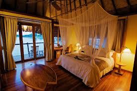 chambre sur pilotis maldives tahiti hôtels vacances de luxe réservez maintenant voyages
