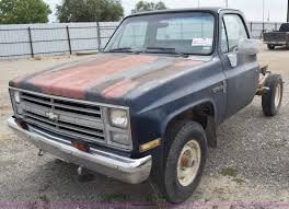 1986 Chevrolet Custom Deluxe 20 Pickup Truck Cab And Chassis...