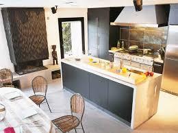 une cuisine pour tous un îlot de cuisine pour tous les styles le journal de la maison