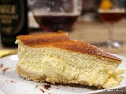 cremiger cheesecake mit löffelbiskuit keksboden