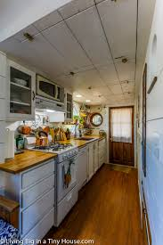 100 Tiny House Newsletter Solo Mother With Teenage Daughter Builds Amazing Living