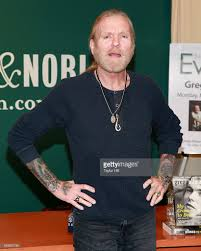 Gregg Allman Signs Copies Of His Book August 2014 Do Haeng Michael Kitchen East Village Ephemeral New York Stephen King Signs Defunct Department Stores Eleven Landmarks Designated In Midtown Yimby Joan Lunden Copies Of Her Book City Boroughs Mhattan View From Cannon Point South Every Person In 2011