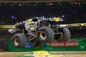 100 Monster Truck Pictures Anatomy Of A The 1118kW Beasts You Pilot Peering
