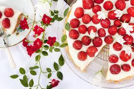 food strawberry mascarpone cake mood for style fashion
