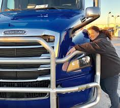 100 Western Flyer Trucking Looks Like Carol Is Pretty Happy With Her Newly Leased Truck We
