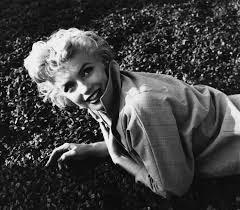 Marilyn Monroe Bathroom Set by Happy Birthday Bombshell 85 Rare Images Of Marilyn Monroe Time Com