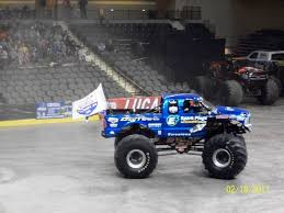 History And Culture By Bicycle: February 2011 Bigfoot Vs Usa1 The Birth Of Monster Truck Madness History Destruction On Steam Traxxas 110 Classic 2wd Brushed Ready To Run Driving At 40 Years Young Still King Video Physics Of Trucks Feature Car And Driver Bigfoot Claims Sixth Straight Monster Truck Win At Bristol Filebigfoot 15 With Rick Long Displayed Brown County Arena 2015 Images Spacehero Story Behind Grave Digger Everybodys Heard Cheap Find Deals Meet Racings Founder American Profile Body Axial Bkt Tires Rtr