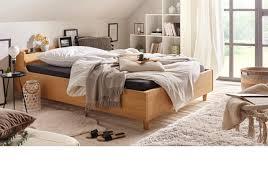schlafzimmer mit dachschräge einrichten baur
