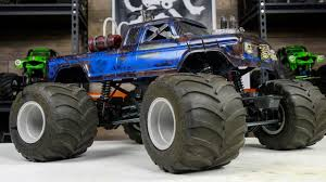Post-Apocalyptic RC Monster Truck Body By Bucks Unique Customs - YouTube
