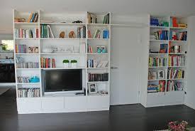 wohnzimmer regalwand in weiß