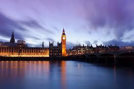 les chambres du soleil big ben et les chambres du parlement à un beau coucher du soleil