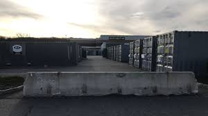 100 Shipping Containers 40 Riverdale Walmart Will Remove Shipping Containers From Parking Lot