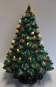 Large Vintage Musical Ceramic Lighted Christmas Tree 19 1 2 Beautiful