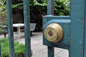 100 Keys To Gramercy Park Locked Out Key Needed For This Unofficial In Harlem