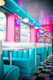 deco americaine annee 50 ambiance happy days au restaurant vintage s diner cafe
