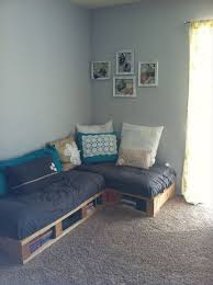 Small Casual Pallet Sofa