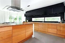 cuisine bois massif contemporaine cuisine moderne en bois massif cuisine bois massif o le moderne se
