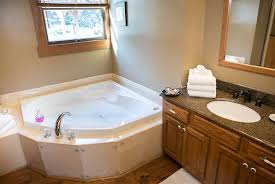 Bed and Breakfast Berlin Ohio Waterfall Jacuzzi Tub 1 Rating