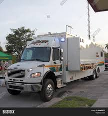 100 Gay Truck Mobile Command Image Photo Free Trial Bigstock