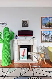 kaktus garderobe neben antiker bild kaufen 13265904