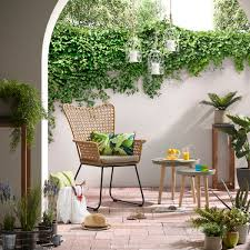 Small Patio Design Ideas For Your Family Beautiful Narrow Pool With