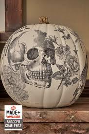 Fake Carvable Pumpkins by Best 25 Pumpkins Ideas On Pinterest Fall Pumpkins Halloween