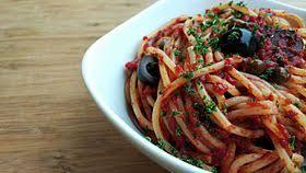 pates a la puttanesca spaghetti alla puttanesca wikipédia
