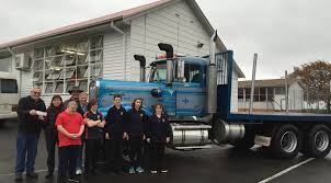 Truckies Support School With $6000 | The Examiner Mountain Movers Llc Services 1969 Ford F250bob B Lmc Truck Life Bob Hitchcocks Ctp Hd Video 2005 Gmc C7500 24ft Box Truck For Sale See Www Sunsetmilan Plans A Trucking Good Rhodes Show Photos The Maitland Mercury Fix For Kenworth T680 From Big 131 Mod American W900 Marley Skin Mod Simulator Bobs Garage Towing Chevy 5500 Wrecker Favorite Commercial Optimus Cab Bobtails Mena Tradex Volkswagen Cstellation Bob 4x2 128x Mod Euro