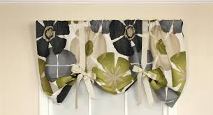 Waverly Curtains Christmas Tree Shop by Red Barrel Studio Dodie Tie Up 50