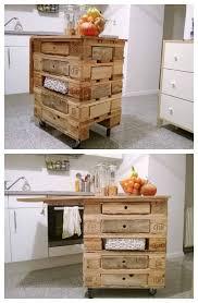 meuble cuisine palette 15 idées géniales de recyclage de palettes pour votre cuisine la