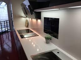 plaque granit cuisine plan de travail de cuisine en granit lavabo de cuisine en granit