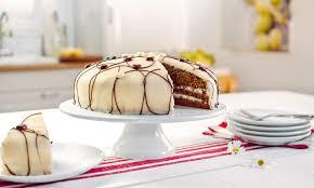 schokoladen torte in weiss