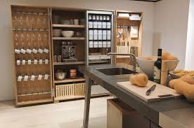 cuisine bulthaup prix l atelier de cuisine bulthaup b2 répond aux envies des passionnés de