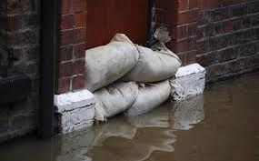 sac de inondation protection inondation sacs panneaux barrières quelle solution