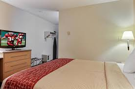 Bed And Biscuit Sioux City by Red Roof Inn Sioux Falls Sd Booking Com
