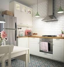 photo cuisine avec carrelage metro cuisine ikea au style rétro avec carrelage métro