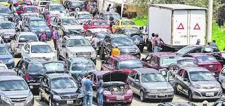 patio de autos quito el tel礬grafo la venta de autos usados atrae a unos 3 000